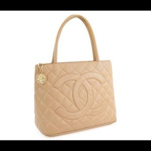 CHANEL Bags - Auth. Chanel Rare Tan & Gold Vintage Medallion Bag
